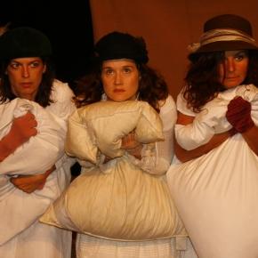 Drei Schwestern die keine Schwestern sind